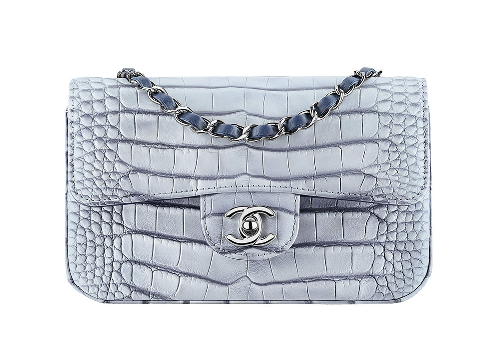 a83eb457dd3d5d Check Out 100 of Chanel's Ancient Greece-Inspired Cruise 2018 Bags ...